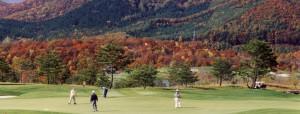 会津連峰の自然そのものを大借景にした ボナリ高原GC 8番グリーン
