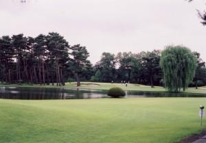 狭山ゴルフクラブ 池越えが美しくも難しい 東3番