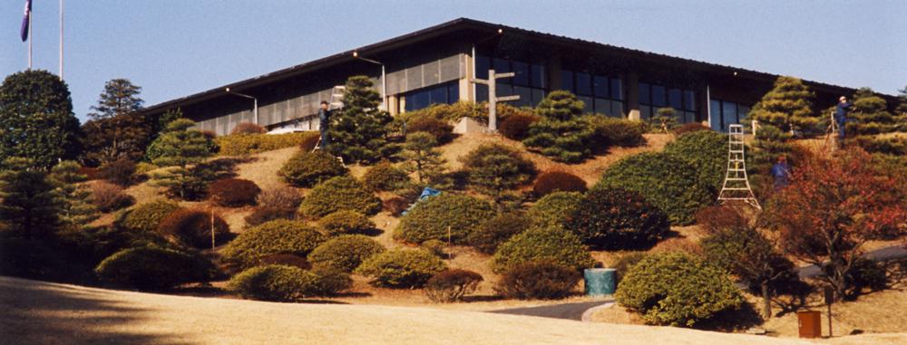 横浜カントリークラブ 東コース18番グリーンからクラブハウス